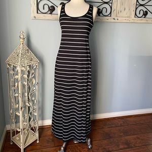 ACTIVE BASICS BLACK/WHITE LONG MAXI DRESSS - S/M
